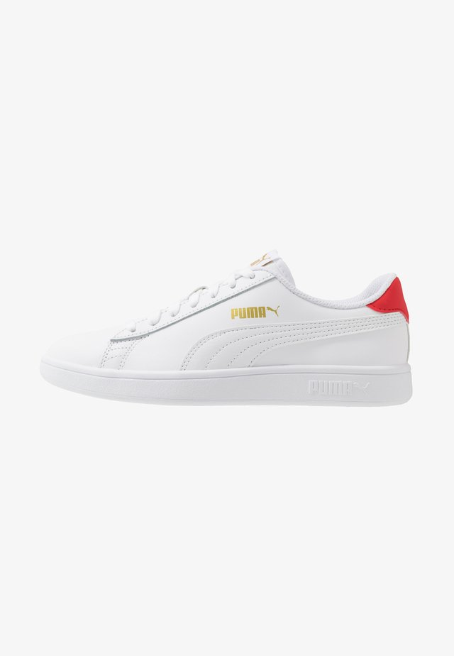 SMASH UNISEX - Baskets basses - white/high risk red/team gold