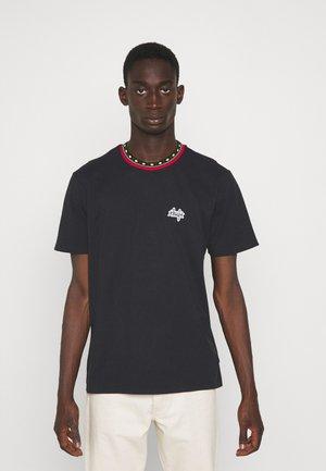 TOBIAS - Jednoduché triko - black