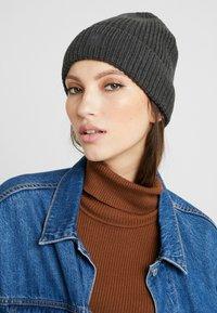 Knowledge Cotton Apparel - LEAF HAT UNISEX - Muts - dark grey - 1