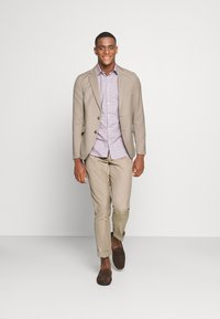 Isaac Dewhirst - THE SUIT - Kostym - beige - 1