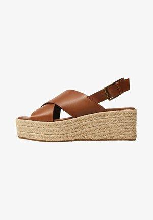 YOUNG - Wedge sandals - mittelbraun