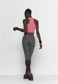 Nike Performance - 365 7/8 HI RISE - Punčochy - black/white - 2