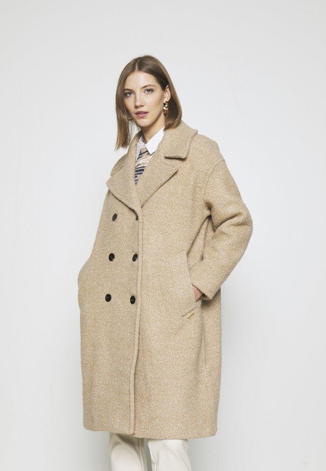 OVERSIZED COAT - Zimní kabát - sand melange