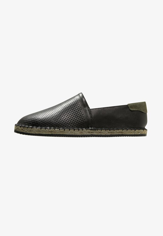 FOX - Espadryle - black
