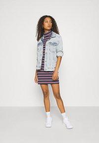 Tommy Jeans - STRIPE DRESS - Sukienka z dżerseju - twilight navy - 1