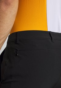 Lacoste Sport - FH4647 - Sports shorts - black - 4