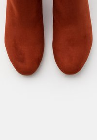 Tamaris - BOOTS - Classic ankle boots - cinnamon - 5