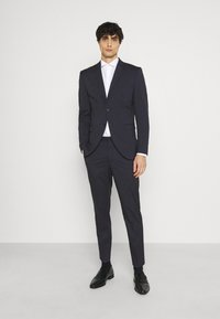 Selected Homme - SLHSLIM MYLOLOGAN CROP SUIT - Suit - navy blazer - 0