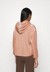 Pieces - PCGIGI HOODIE - Sweatshirt - misty rose - 2
