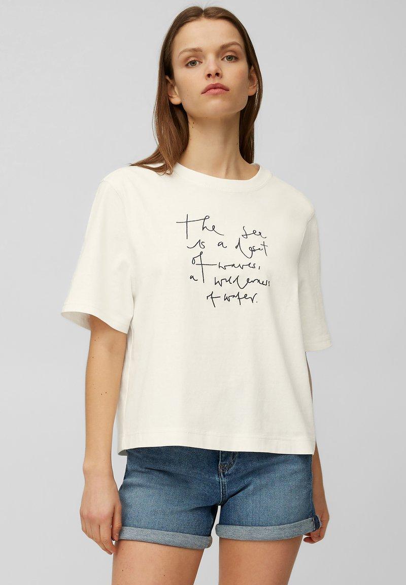 Marc O'Polo DENIM - Print T-shirt - scandinavian white