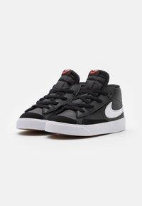Nike Sportswear - BLAZER MID '77 UNISEX - Sneakers hoog - black/white/team orange - 1