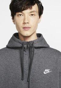 Nike Sportswear - CLUB HOODIE - Sweat à capuche zippé - charcoal heather/anthracite/white - 3