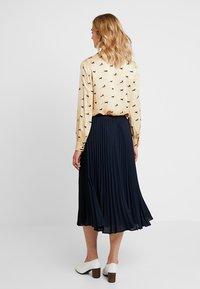 Banana Republic - PLEATED SOLID MIDI SKIRT - A-line skirt - navy - 3