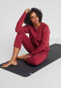 Hey Honey - Tracksuit bottoms - red - 1
