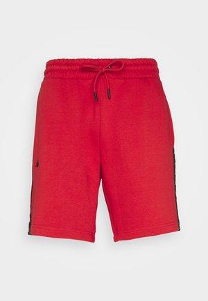 JOYO - Korte sportsbukser - aurora red