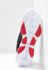 Skechers Performance - GO RUN VORTEX-STORM - Laufschuh Neutral - black/red - 4