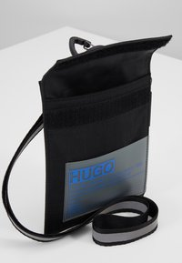HUGO - VOYAGER NECK POUCH - Rejsetilbehør - black - 6