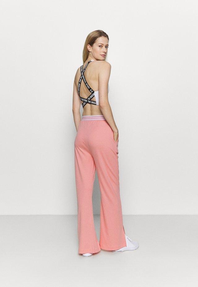 HIGH WAIST WIDE LEG PANTS - Pantalon de survêtement - pink