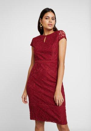 TRIM PENCIL - Pouzdrové šaty - purple