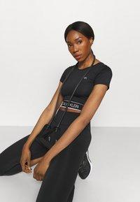 Calvin Klein Performance - T-shirt print - black - 4