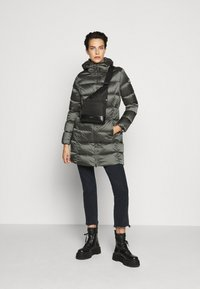 Colmar Originals - Down coat - matcha/dark steel - 1