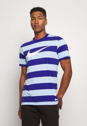 STRIPE TEE - T-shirt med print - psychic blue/deep royal blue