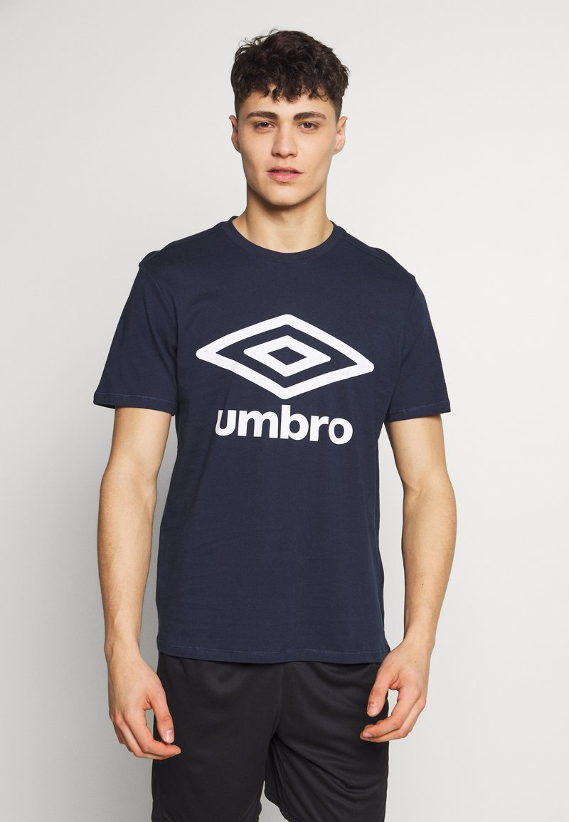 Umbro - LARGE LOGO TEE - Print T-shirt - dark navy