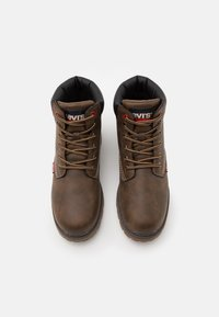 Levi's® - NEW FORREST MID - Lace-up ankle boots - brown/black - 3