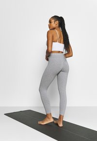 Deha - LEGGINGS - Medias - grey melange - 2