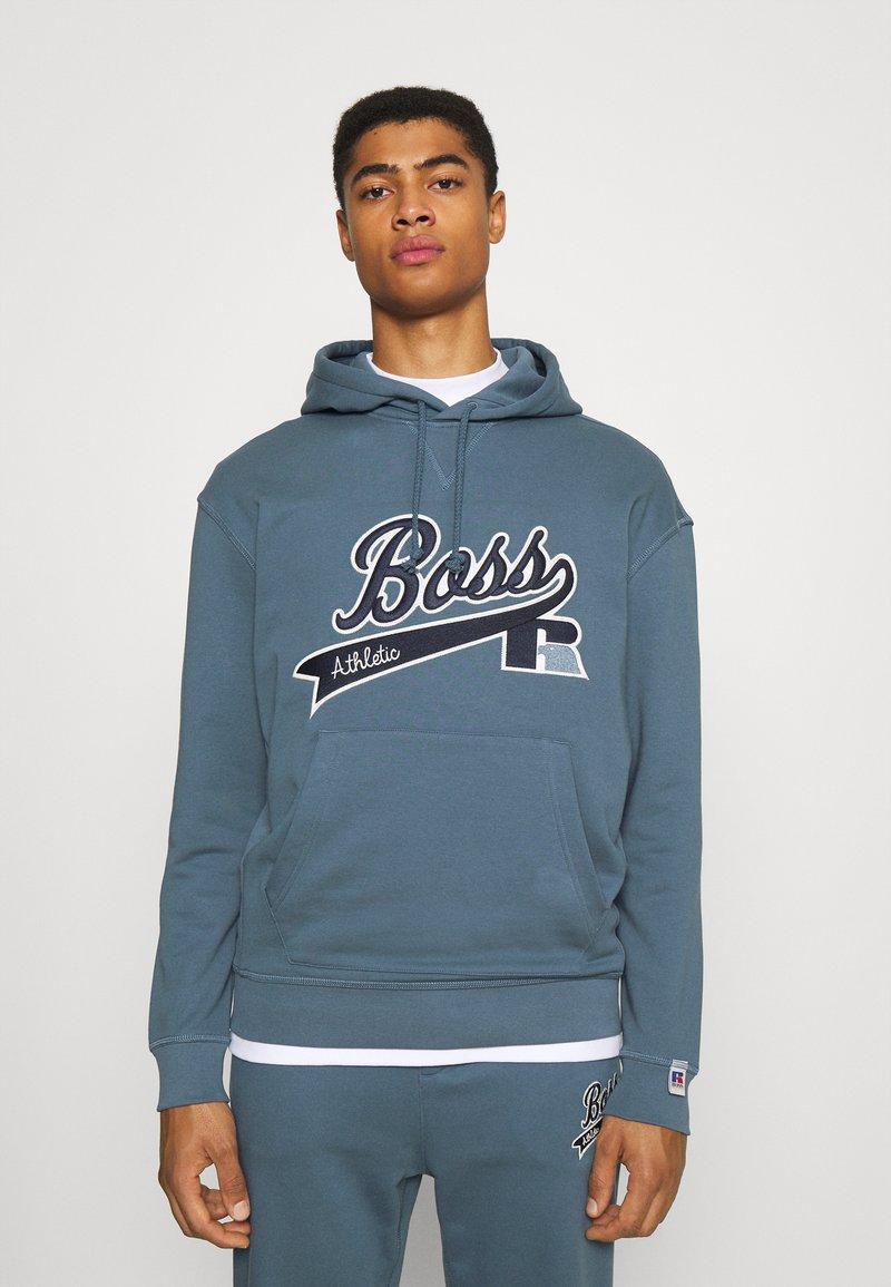 BOSS - BOSS X RUSSELL ATHLETIC SAFA - Kapuzenpullover - bright blue