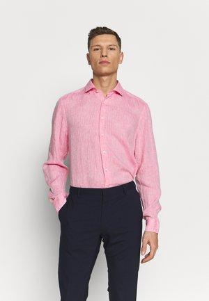 OLYMP LEVEL 5 BODY FIT  - Košile - rose
