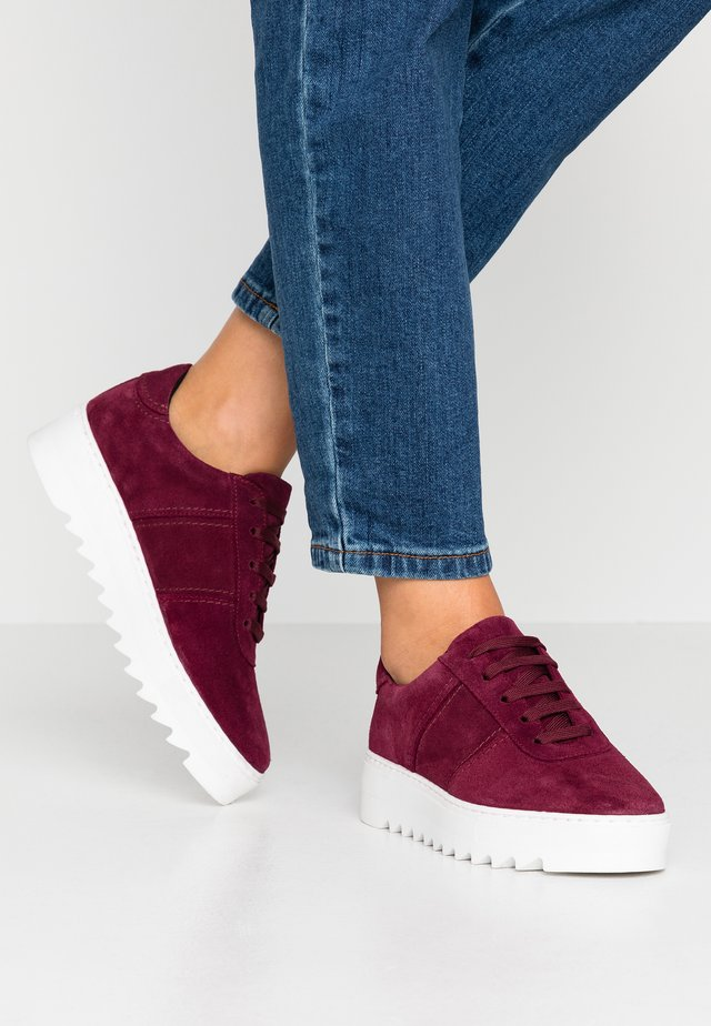 BIACOMMET - Sneakersy niskie - raspberry