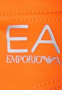 EA7 Emporio Armani - SEA WORLD CORE LOW BRIEF - Costume da bagno - arancio fluo/silver - 2