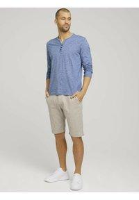TOM TAILOR - Shorts - sandy dust beige - 1