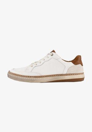 Veterschoenen - white
