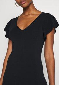 Forever New - VANESSA FLUTTER SLEEVE DRESS - Žerzejové šaty - black - 5