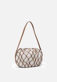 Rejina Pyo - SONNY BAG - Handbag - ivory/brown - 2