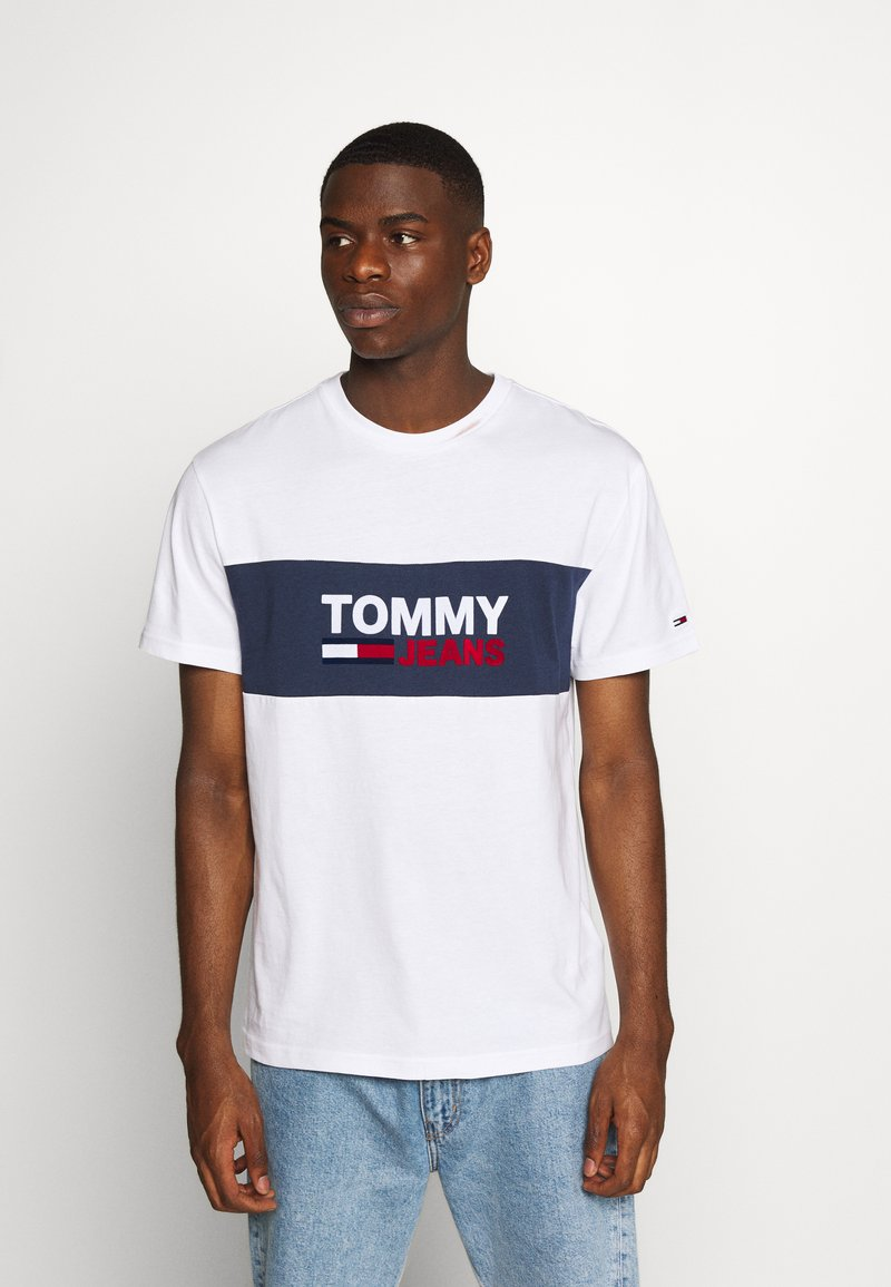 Tommy Jeans - PIECED BAND LOGO TEE - Print T-shirt - white