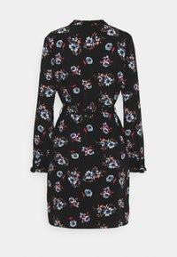 Pieces - PCLUNILLA DRESS  - Košilové šaty - black - 1