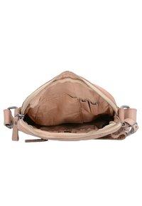 Billy the Kid - NASTY COWBOYS - Across body bag - sand - 3