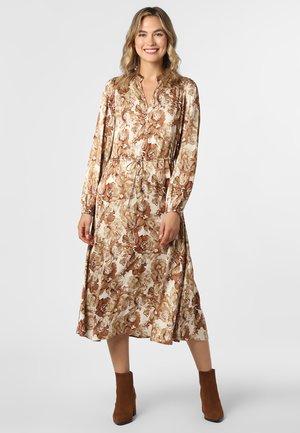 VALLEY POPPY - Strikket kjole - sand nougat