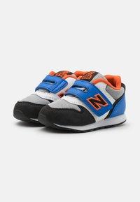 New Balance - IZ996MBO - Sneakers laag - blue/orange - 1