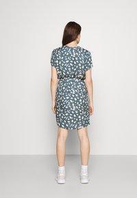 Object - BIRDY DRESS - Shirt dress - blue mirage/sandshell - 2