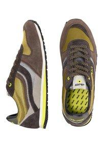 J&JOY - Sneakers laag - groen - 1