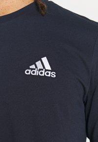 adidas Performance - ESSENTIALS - T-shirts basic - legend ink - 5