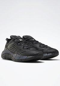 Reebok Classic - ZIG KINETICA II UNISEX - Sneakersy niskie - black/grey - 2