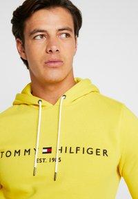 Tommy Hilfiger - LOGO HOODY - Hoodie - yellow - 3