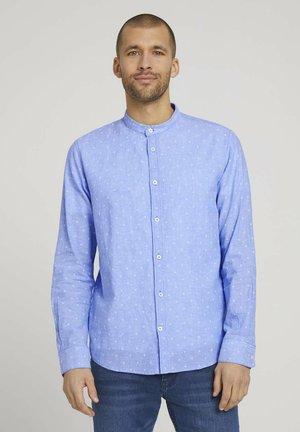 Shirt - blue white scattered design