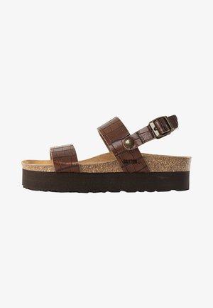 ALMERIA - Sandały na platformie - brown