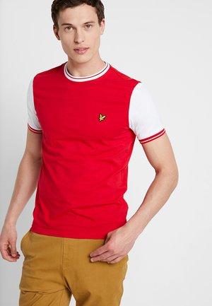 TIPPED - T-shirt print - dark red/white